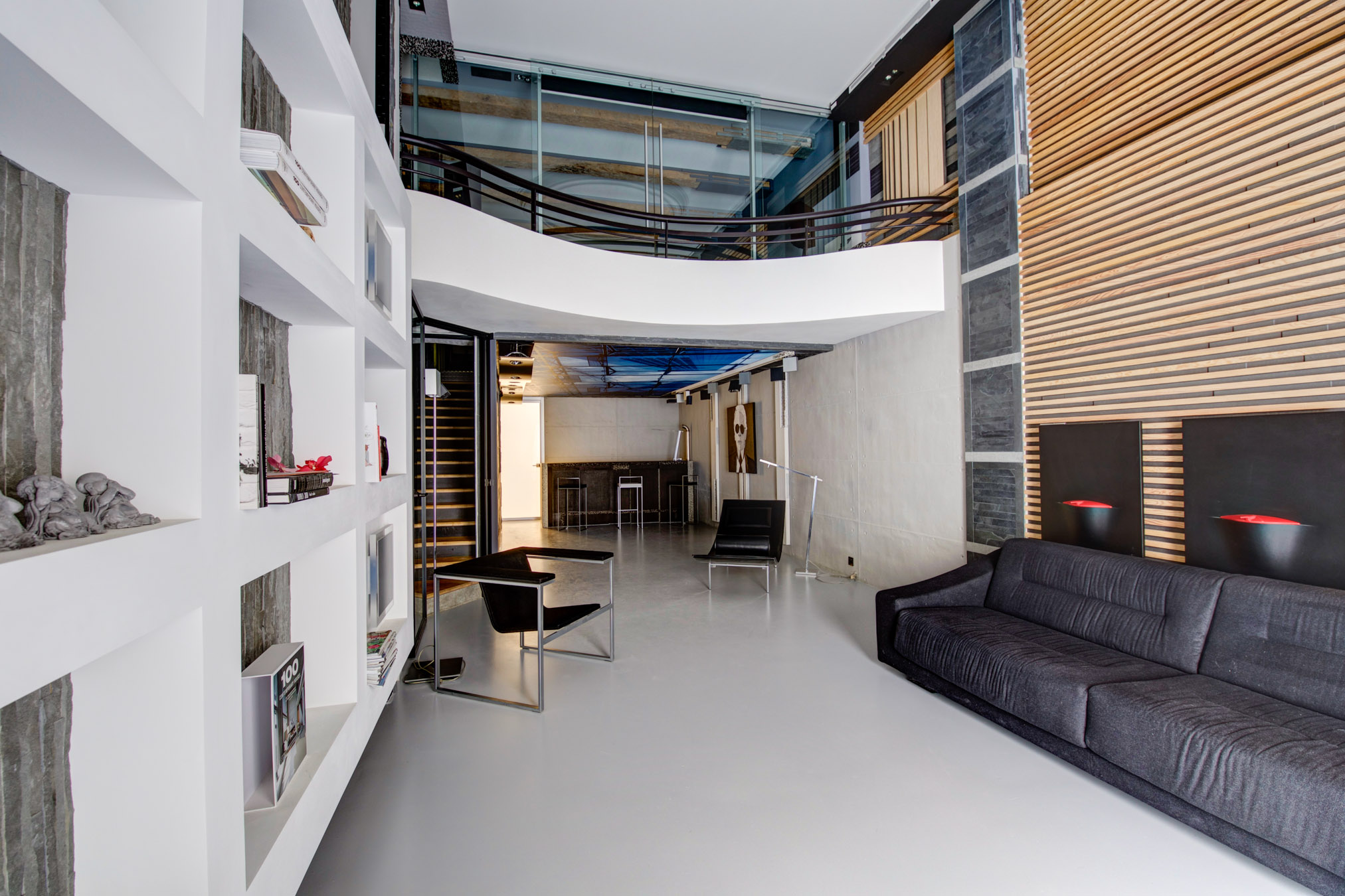 Marseille 13006 – Castellane – Loft T3 145m2 – Duplex – Place de Parking et moto – 490 000 €